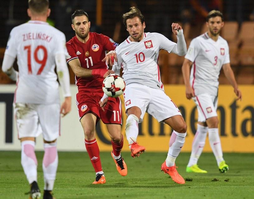 Grzegorz Krychowiak w meczu z Armenią /AFP