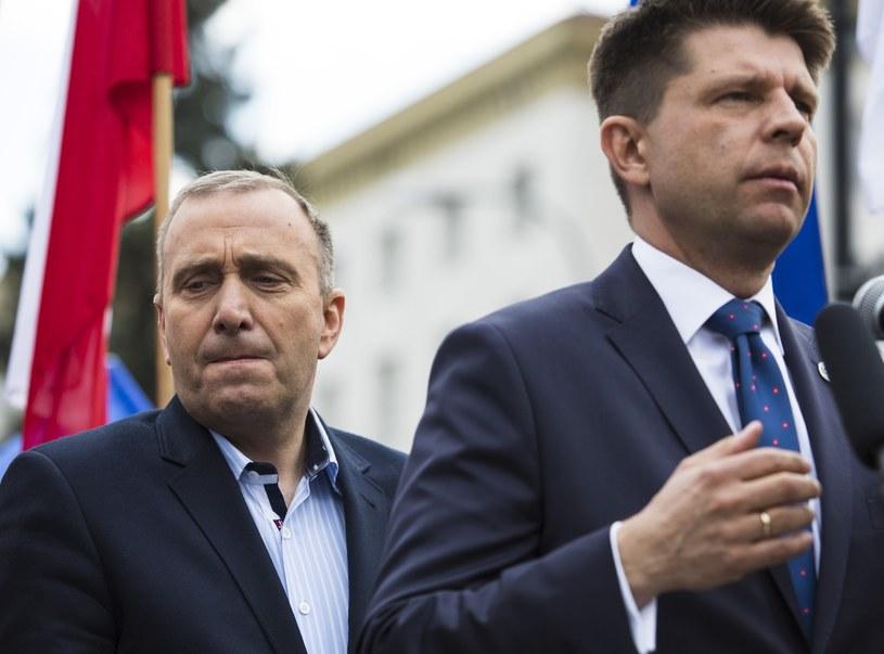 Grzegorz Schetyna i Ryszard Petru /Andrzej Hulimka  /Reporter