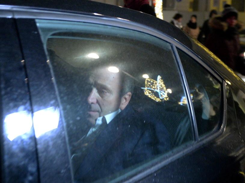 Grzegorz Schetyna w drodze do Pałacu Prezydenckiego /Jacek Turczyk /PAP