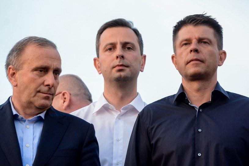 Grzegorz Schetyna, Władysław Kosiniak-Kamysz i Ryszard Petru /Fot. Mariusz Gaczynski /East News