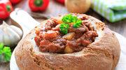 Gulasz lombardzki w chlebie