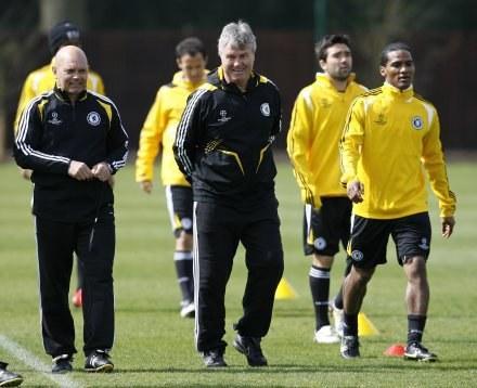 Guus Hiddink może liczyć na poparcie piłkarzy /AFP
