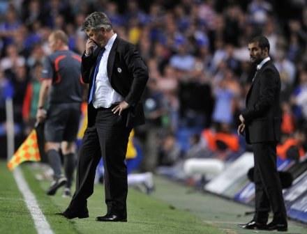 Guus Hiddink źle rozegrał taktycznie ostatnie minuty meczu z Barceloną /AFP