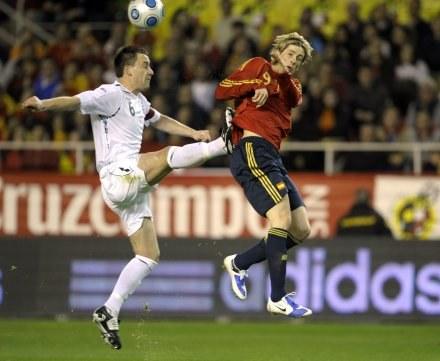 Gwiazda reprezentacji Hiszpanii Fernando Torres (z prawej). /AFP