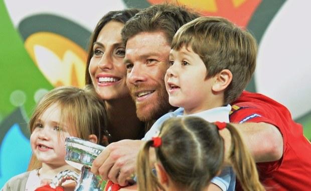 Gwiazdy La Roja świętują zwycięstwo z rodzinami