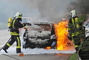 Haker może przejąć kontrolę nad samochodem i spowodować wypadek