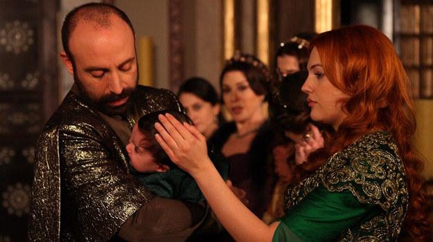 """Halit Ergenç, czyli Sulejman ze """"Wspaniałego stulecia"""", właśnie na planie serialu odnalazł miłość /materiały prasowe"""
