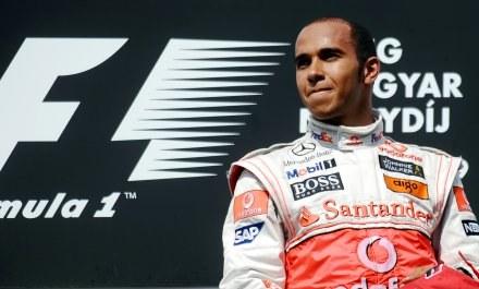 Hamilton o Schumacherze: To zaszczyt /AFP