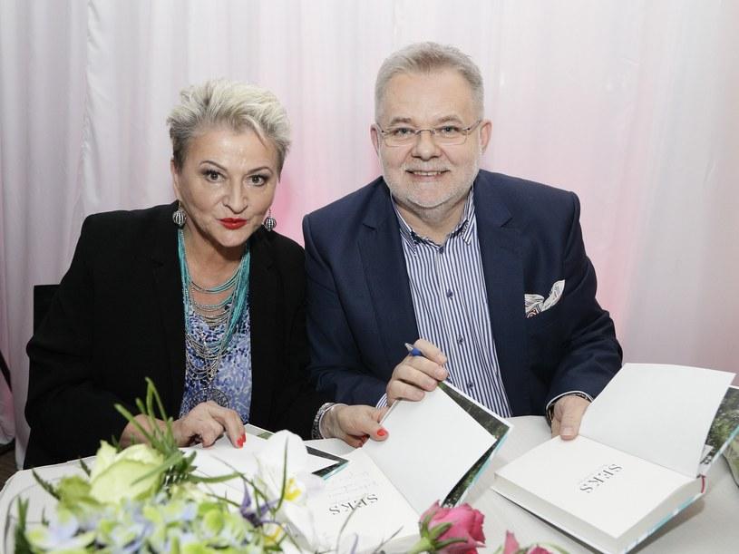 """Hanna Bakuła i Zbigniew Izdebski autorzy książki """"Seks Teoria i Praktyka"""" /INTERIA.PL/materiały prasowe"""