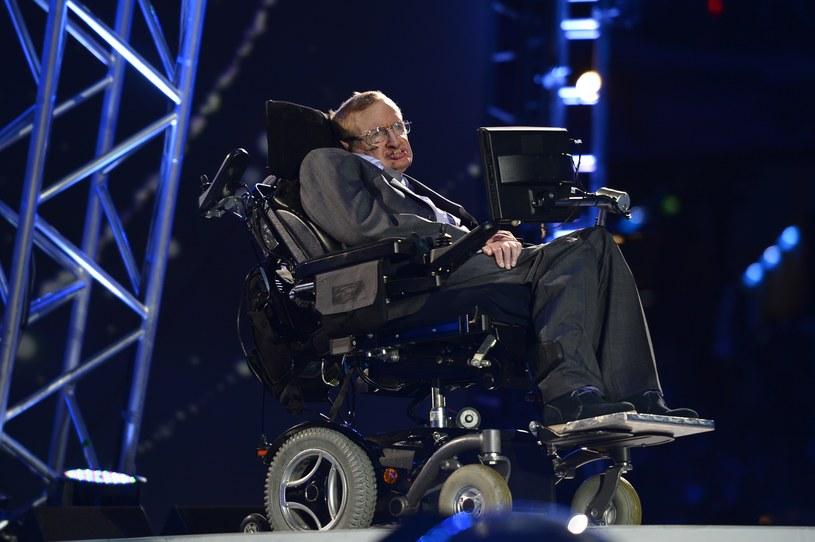 Hawking ostrzega - sztuczna inteligencja może nas zniszczyć /AFP
