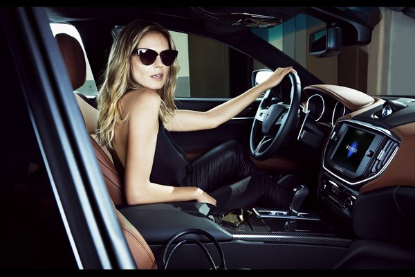 "Heidi Klum i Maserati na łamach ""Swimsuit Issue"""