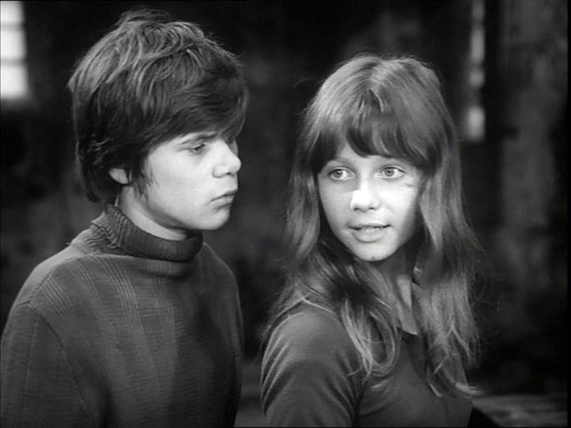 """Henryk Gołębiewski i Agata Siecińska w serialu """"Stawiam na Tolka Banana"""" (1973) /East News/POLFILM"""