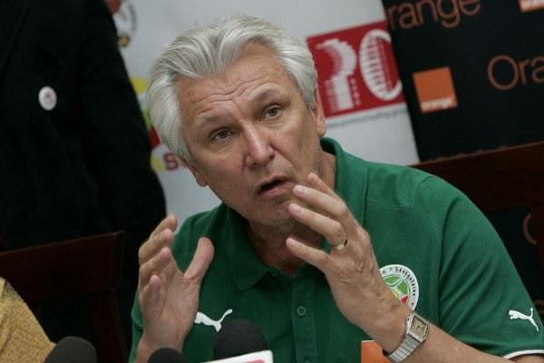Henryk Kasperczak ogłasza rezygnację ze stanowiska selekcjonera Senegalu po porażce 1:3 z Angolą. /AFP