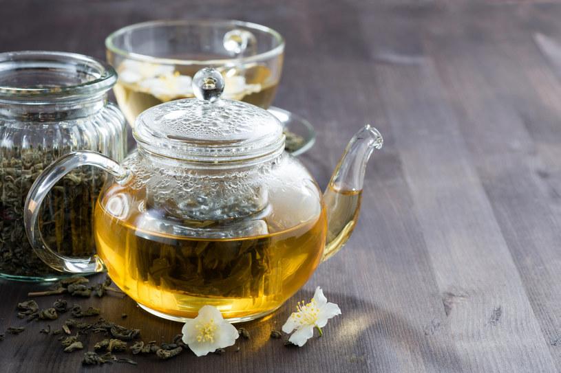 Herbata sanpin to mieszanka zielonej herbaty i kwiatów jaśminu /©123RF/PICSEL