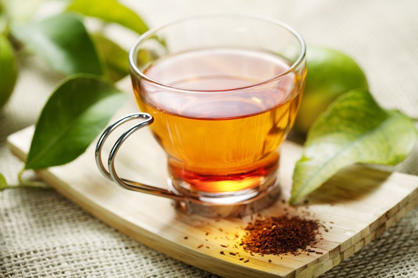 Herbata ziołowa łagodzi przykre dolegliwości /123RF/PICSEL
