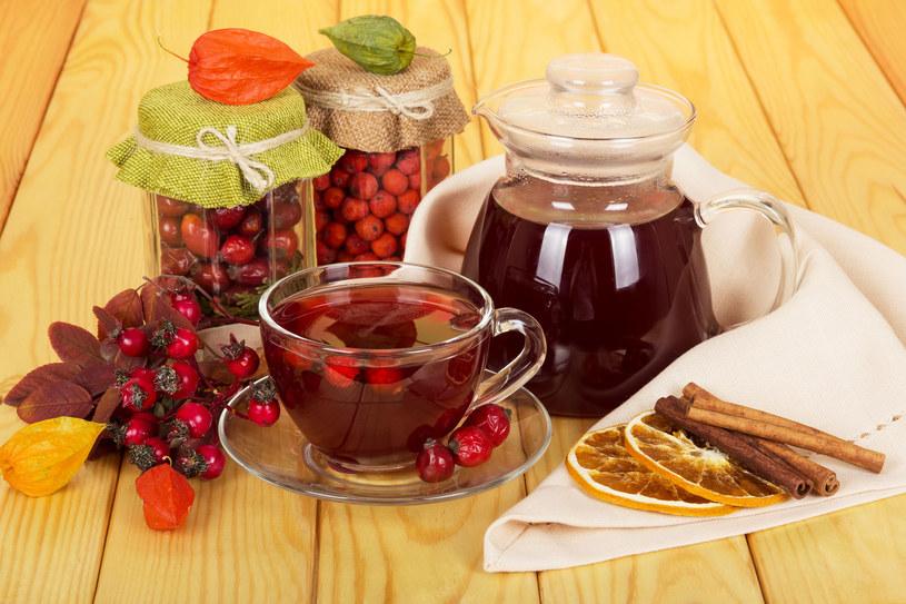 Herbatka z głogu to samo zdrowie /123RF/PICSEL