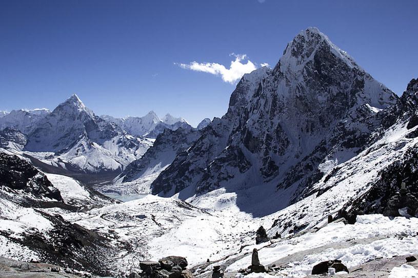 Himalaje powstały w wyniku kolizji dwóch płyt kontynentalnych /123RF/PICSEL