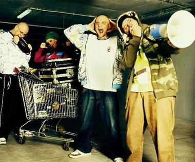 Hiphopowcy upamiętniają księdza. Zobacz!