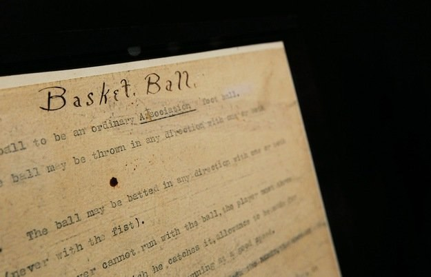 Historyczny dokument Jamesa Naismitha /AFP
