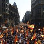 Hiszpania: Demonstracja przeciwników secesji Katalonii w Barcelonie