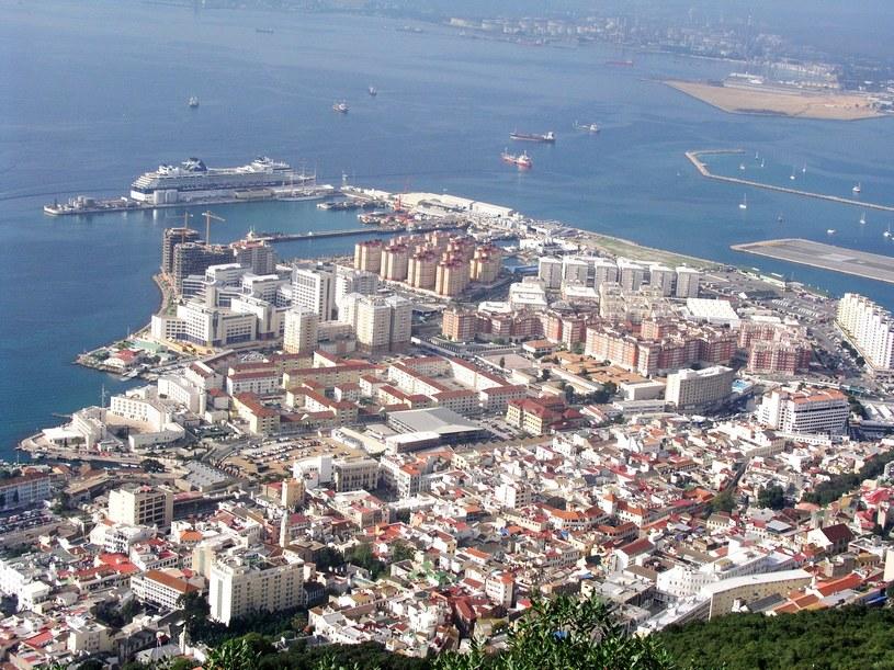 Hiszpania proponuje mieszkańcom półwyspu podwójne obywatelstwo /Klaudia Wiśniewska /East News