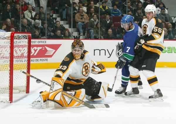 Hokeiści Vancouver Canucks wygrali z Boston Bruins /AFP