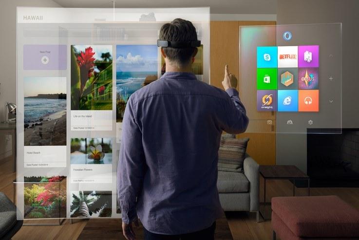 HoloLens tworzy wokół nas holograficzny świat przypominający rozwiązania znane z rzeczywistości rozszerzonej /materiały prasowe