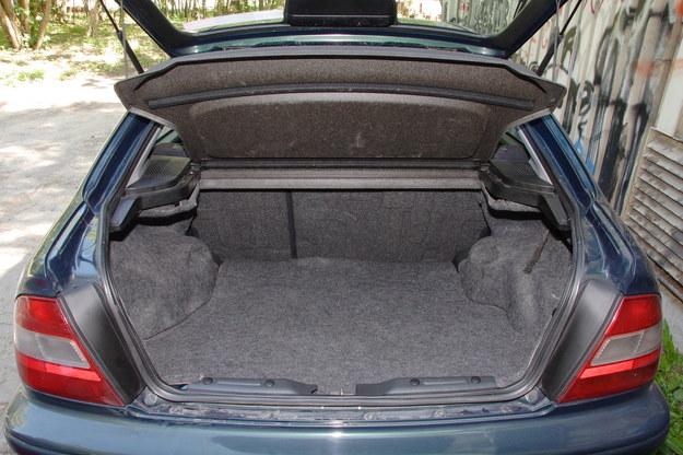 Honda Civic bagażnik /Motor