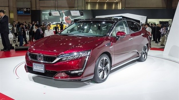 Honda Clarity Fuel Cell /Honda