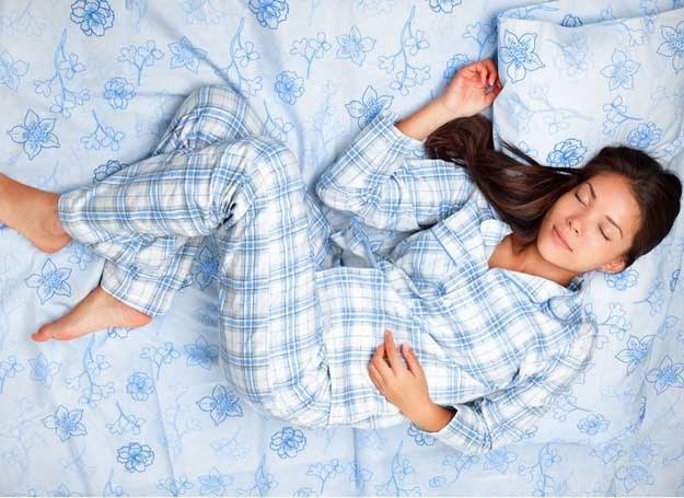 Hormony wzrostu wydzielają sie tylko podczas snu /123RF/PICSEL