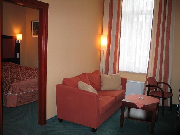 Hotel droższy w stolicy, tańszy nad morzem i w górach /RMF