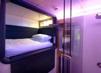 Hotel Yotel, Londyn - wnętrze kabiny hotelowej /Magazyn Sztuka.pl