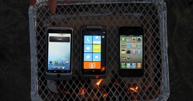 HTC z Windows Mobile, G2 z Androidem oraz  iPhone z iOS poddane próbie ognia /gizmodo.pl