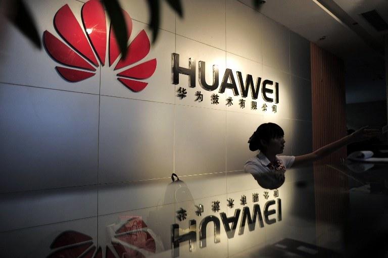 Huawei inwestuje w kraju, w którym narodziły się komórki - to symboliczna chwila /AFP