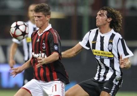 Huntelaar musi pauzować w pierwszej kolejce Serie A. Milan będzie musiał wystawić innego snajpera /AFP