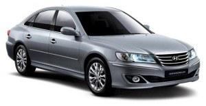 """Hyundai Grandeur to samochód w Polsce bliżej nieznany. Poprzednia generacja modelu była u nas oferowana, obecna jest dostępna wyłącznie w Rosji, Azji oraz w USA, gdzie pod nazwą Azera konkuruje w segmencie """"pełnowymiarowych"""" sedanów z takimi autami jak Toyota Avalon czy Nissan Maxima. /Hyundai"""