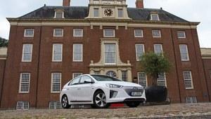 Hyundai Ioniq - pierwsza jazda wersją hybrydową i elektryczną