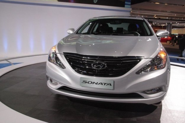 Hyundai sonata - kandydat do auta roku /