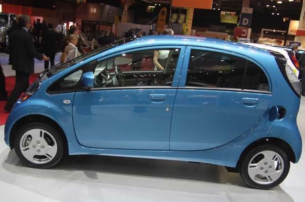 I-MiEV napędzany jest silnikiem synchronicznym z magnesami trwałymi /INTERIA.PL
