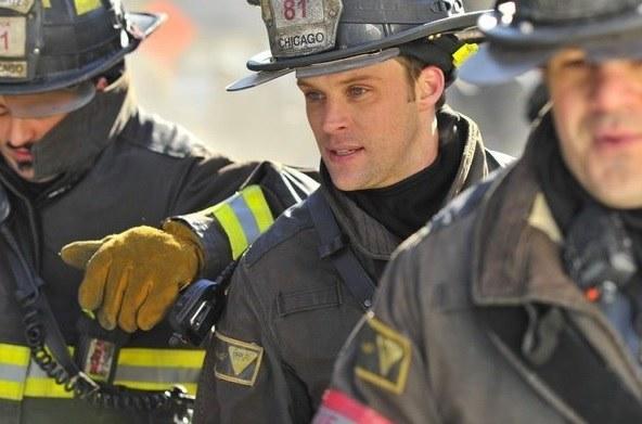 """...i w serialu """"Chicago Fire"""" jako strażak, który ma problemy osobiste. W USA to prawdziwy hit. /NBC Television /materiały prasowe"""
