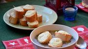 Idealna na mrozy. Zupa cebulowa z grzankami