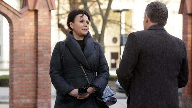 Idealne małżeństwo Marysi i Artura (Robert Moskwa) to przeszłość. Rozstaną się, czy uda im się pokonać kryzys? /www.mjakmilosc.tvp.pl/