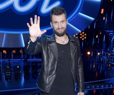"""""""Idol"""": Wiemy, co zaśpiewa Mariusz Dyba"""