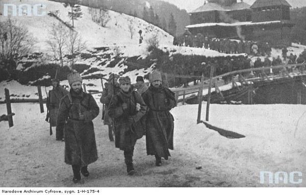 Walki II Brygady Legionów pod Rafajłową podczas działań na froncie wschodnim - jeńcy rosyjscy, 1914