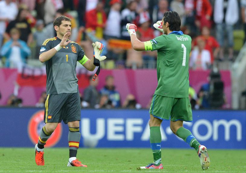 Iker Casillas i Gianluigi Buffon znów staną naprzeciw siebie /AFP