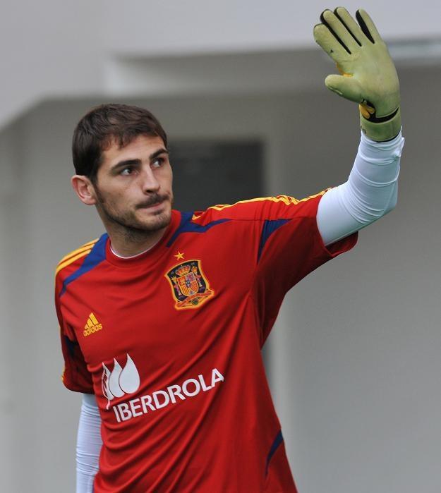 Iker Casillas pobił rekord występów w reprezentacji Hiszpanii /AFP