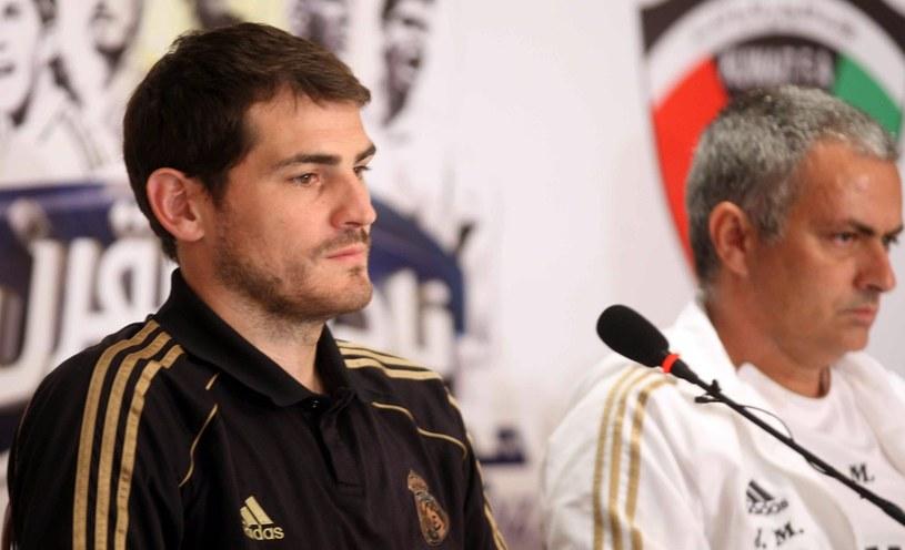 Iker Casillas (z lewej) i Jose Mourinho. /AFP
