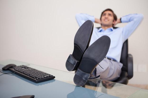 Ile godzin powinniśmy pracować? /© Panthermedia