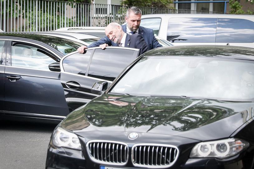 Ile kosztuje ochrona Antoniego Macierewicza? /Aleksander Szmigiel /Reporter