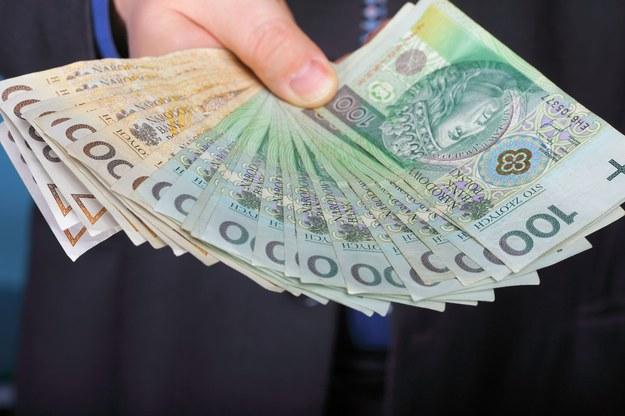 Ile trzeba zapłacić, żeby przekonać pracownika do zmiany pracy? /123RF/PICSEL